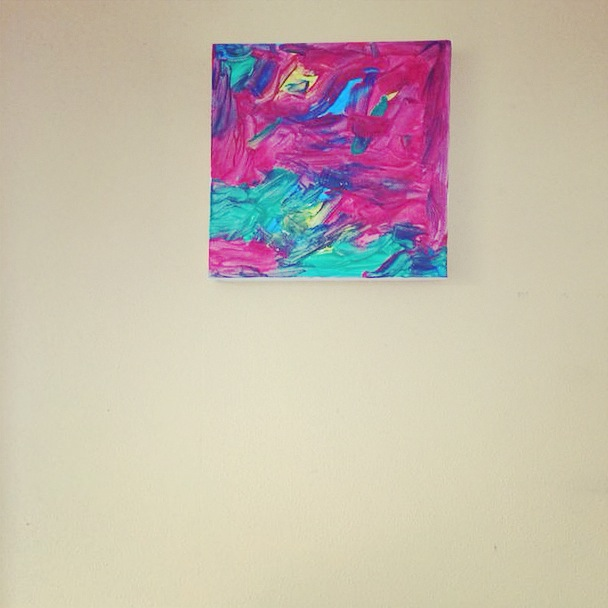 De buuf was enorm blij met  haar schilderij van Eva. Het kreeg zelfs een mooie plek boven haar tv!