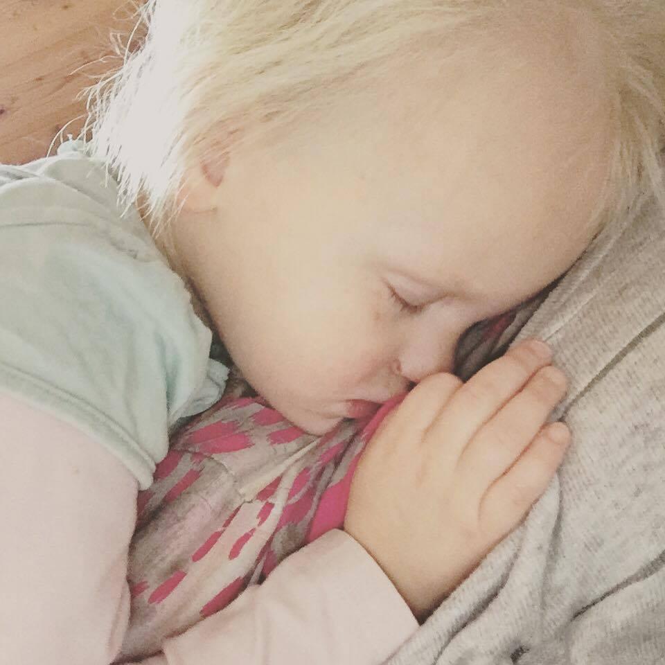 En na zo'n drukke ochtend viel ze zomaar in slaap op mij!