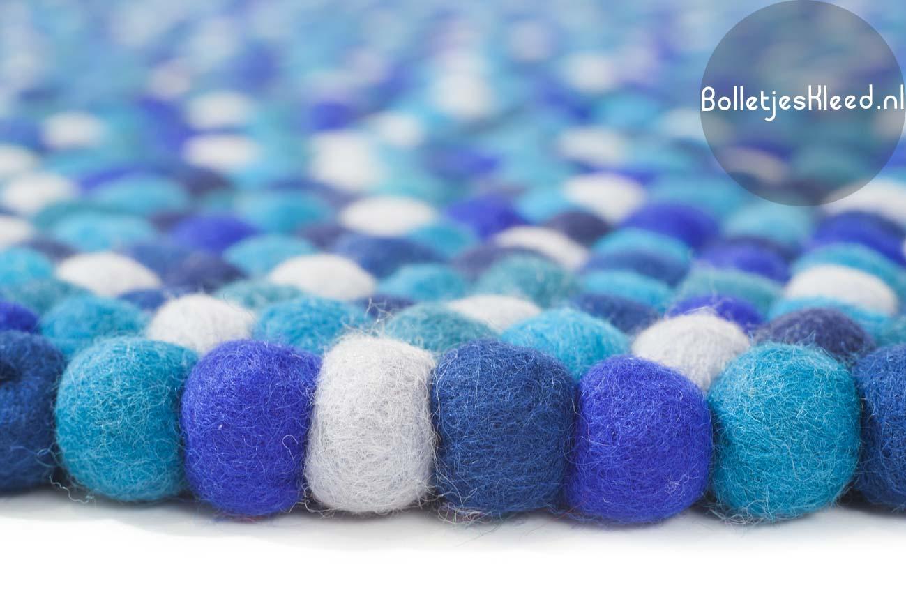 Bolletjes-vloerkleed Boys-Blauw vilt-1