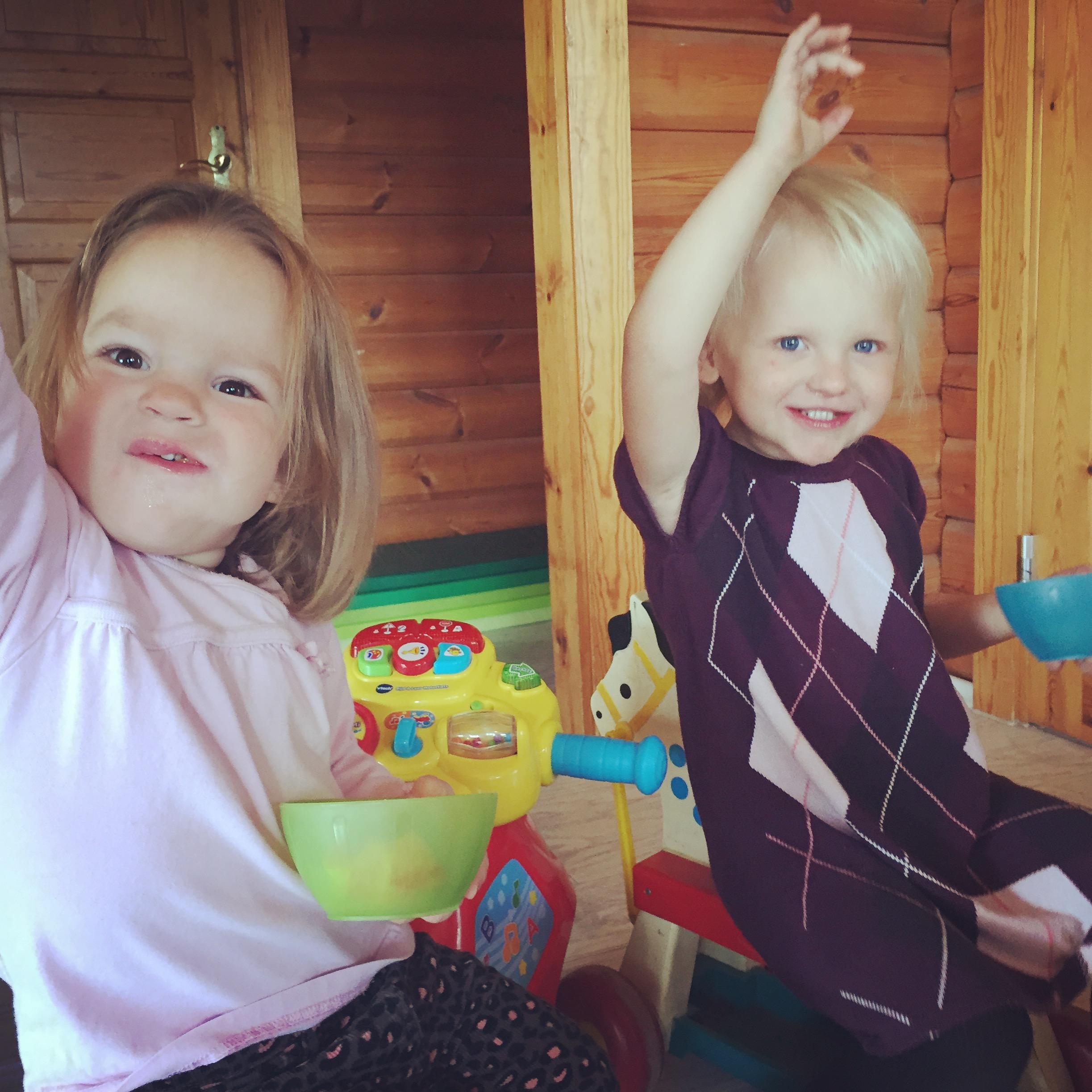 Woensdagochtend hebben we een vol huis.We passen op een vriendinnetje van Liza en ook de buurvrouw komt met haar kinderen.