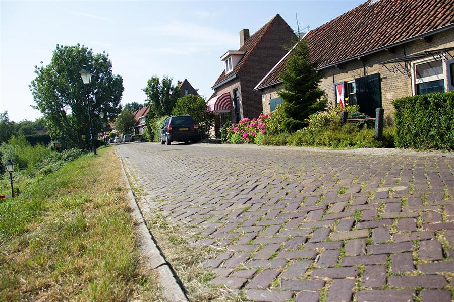 Liepen we door Oud Hoogvliet