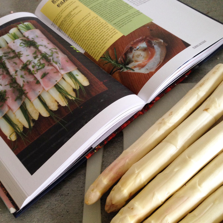 's avonds maakten we lekker asperges klaar. Dit recept deelde ik afgelopen week!