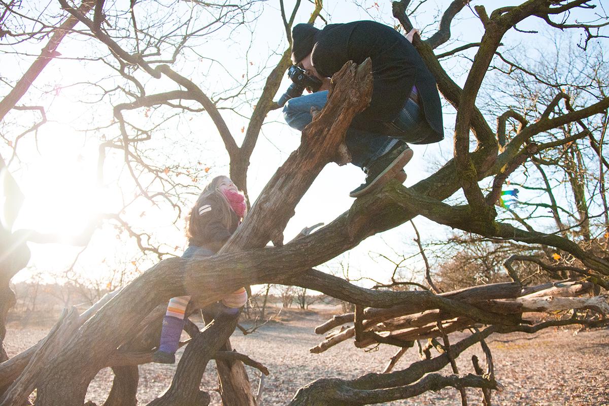 Echte fotografen klimmen in bomen voor de beste foto