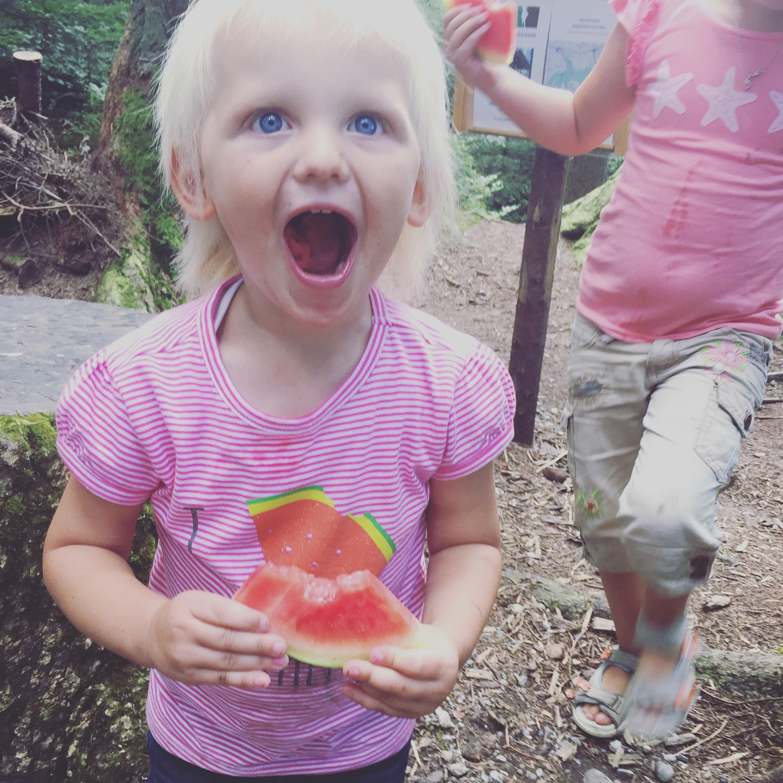 Ik heb een watermeloen t-shirt aan!