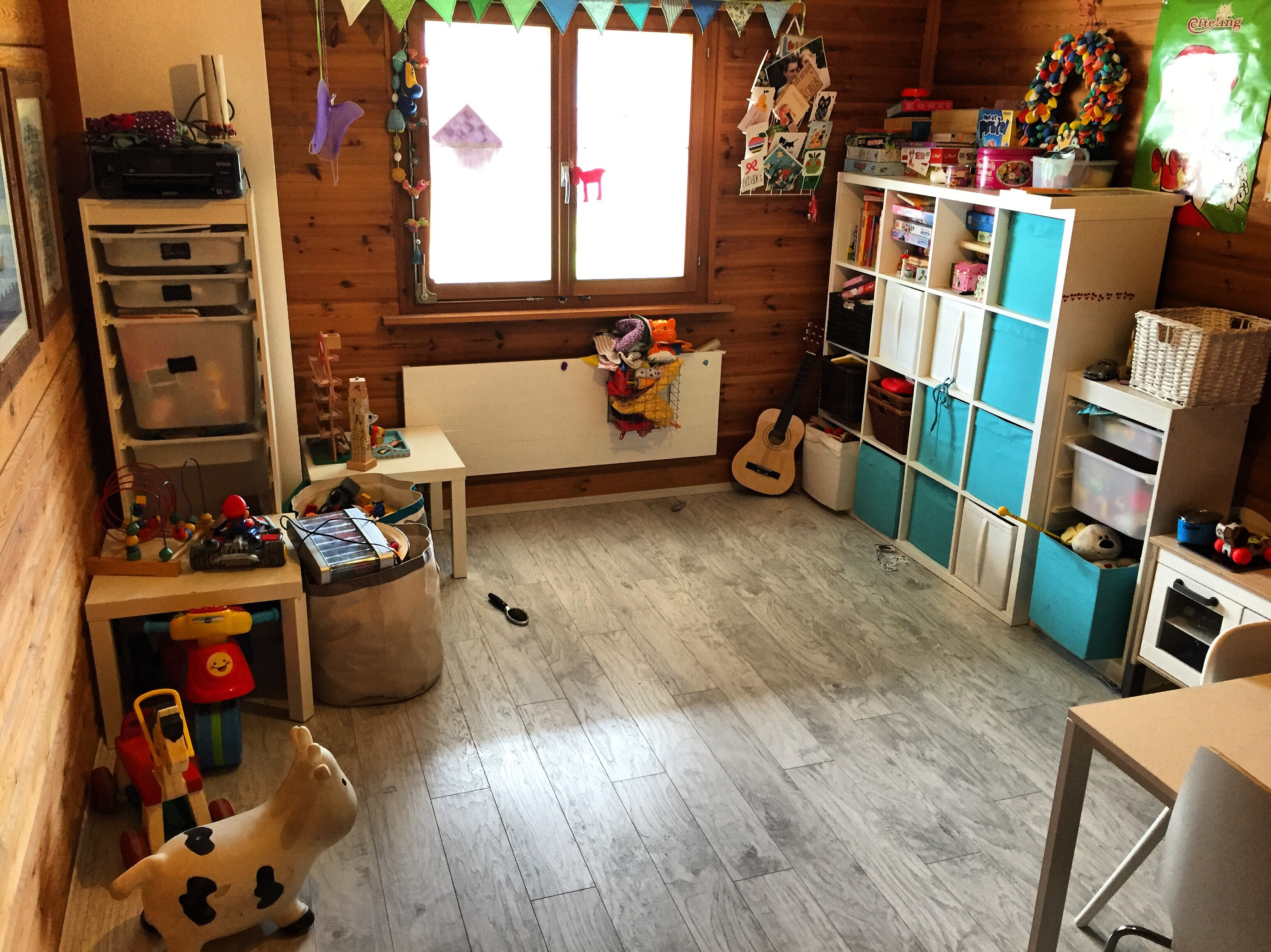 Ik besloot korte metten met de speelkamer te maken en de helft ging weg of vertrok naar de kinderkamers