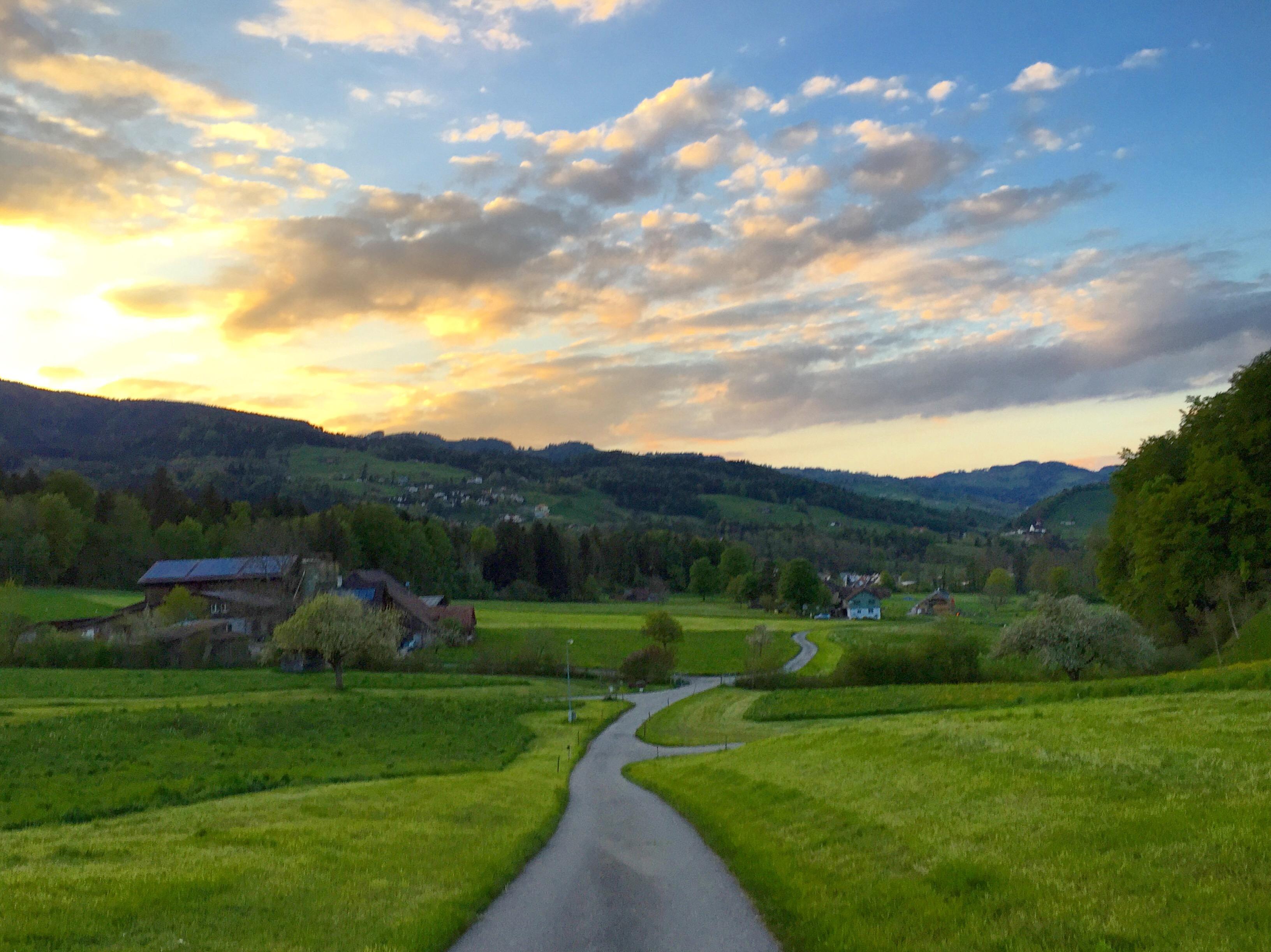 's Avonds wandel ik met de club weer een rondje en weer werd ik betoverd door het mooie landschap