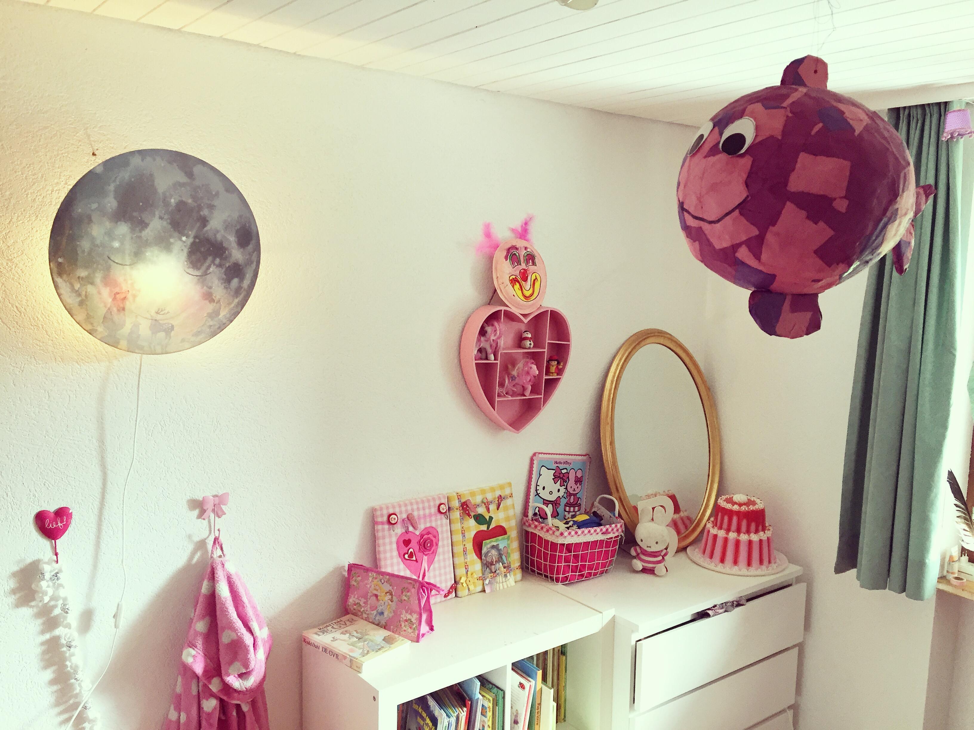 Thuis zet ik Eva's kamer even op de foto voor het blog bij de Hartendief lamp