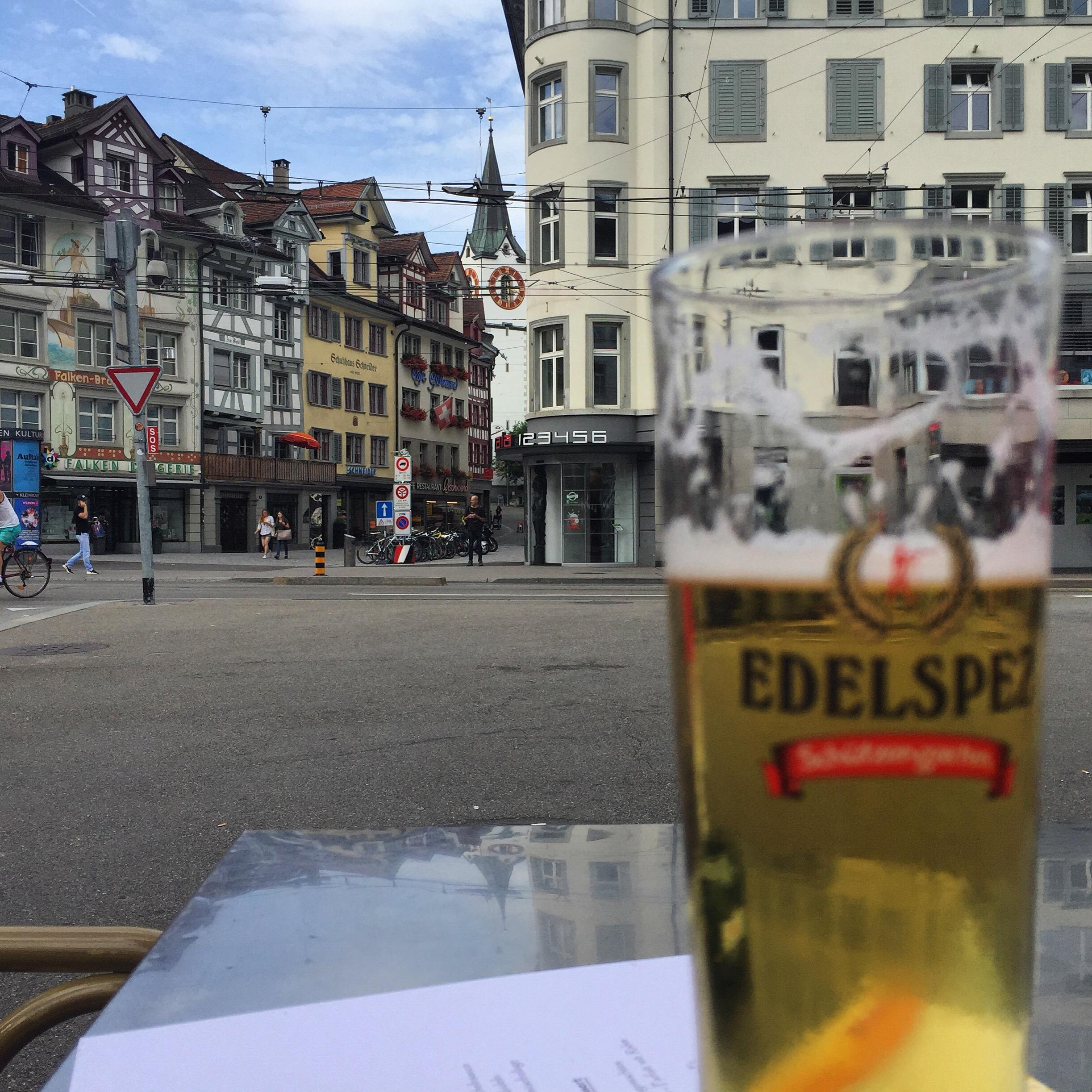 'S middags gaan Thomas en ik naar het mooie St Gallen.